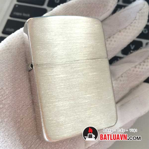 Zippo bạc tái bản nền xước 1941 replica™ - Hand satin sterling silver 2