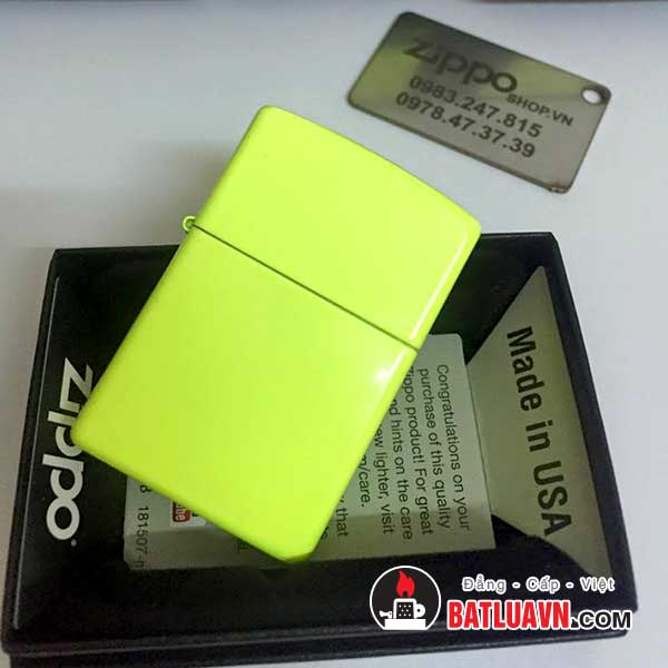 Zippo neon yellow matte 2