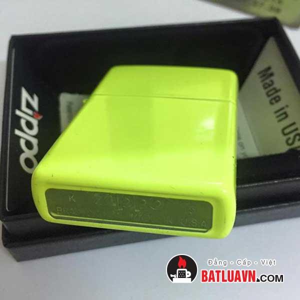 Zippo neon yellow matte 4
