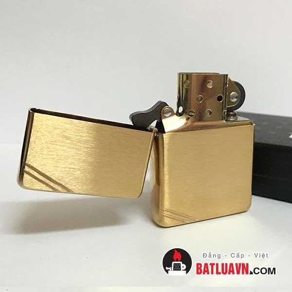 Zippo vintage brushed brass - 240 4